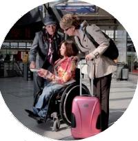Personnel d'accompagnement, bandes de guidage au sol, balises sonores: la SNCF a investi massivement