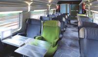 La SNCF a aménagé ses rames pour améliorer le confort des voyageurs: sièges spacieux, prise électrique individuelle, espace réservé aux téléphones portables.