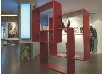 L'agence de publicité dispose de 40 oeuvres d'art dans la région parisienne.