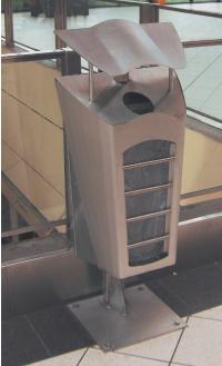 Les poubelles Vigipirate transparentes et amovibles de la PME Nord Technique équipent le métro de Lille.