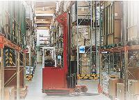 La plupart des produits des catalogues sont en stocks dans un entrepôt. Ce qui permet de garantir au client une livraison express.
