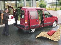 Proche du véhicule particulier, le Renault Kangoo est la fourgonnette la plus vendue en France.