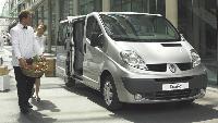 Le Renault Trafic a subi un léger lifting et accueille de nouvelles mécaniques pour répondre aux normes Euro 4.