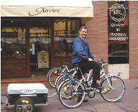 François Bourgon a su persuader ses équipes d'adopter le vélo comme moyen de locomotion exclusif.