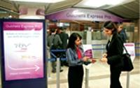 Présent en gare, le guichet Express Pro de la SNCF facilite l'achat et l'échange de billets pour les voyageurs d'affaires.