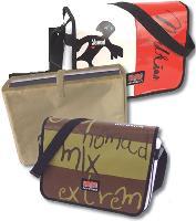 La marque Nordkinn propose toute une gamme de sacs en bâches de camion et commercialisée par Savebag.