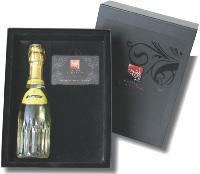 Dans son coffret Liberty Champagne, la Compagnie des Cadeaux a joint une carte qui permet de choisir un cadeau parmi une sélection mise en ligne.