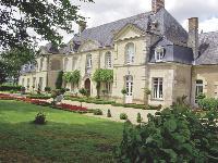 Elle installe son siège dans une demeure du XVIIIe siècle