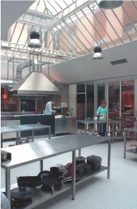 Avec ses cours de cuisine à petits prix, L'Atelier des chefs séduit près de 2000 personnes par jour.