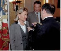 Sophie de Menthon, présidente d'Ethic, a reçu le titre honorifique de lieutenant-colonel de Gendarmerie.