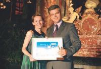 Marc Schillaci reçoit son Trophée des mains de Christine Coudert (Sage).