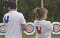 Tir à l'arc, paintball, course d'orientation, tournoi de foot... les activités sportives dédiées au team building se multiplient.