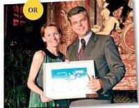 Marc Schillaci a reçu, l'année dernière, son Trophées des mains de Christine Coudert (Sage).