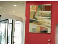 Avec son offre de location d'oeuvres d'art la galerie Art Actuel égaye vos locaux.