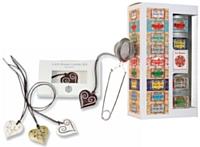 Stimulez les sens de vos clients avec des bijoux parfumables ou des thés savoureux.