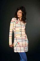 Les imprimés de la marque de vêtements Aventures des Toiles (Avance Diffusion) sont créés par des artistes contemporains.
