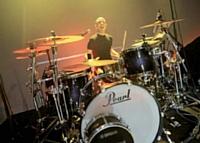 Michel Turco, dirigeant de Groupe Mag, part en tournée en tant que batteur.