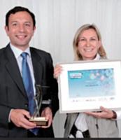 Marise Dematté (Pure Impression) a reçu ce prix des mains de Didier Gambart (Toyota).