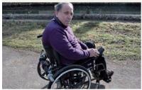 Il confie son atelier à un handicapé