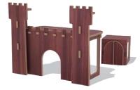 Le bureau pour enfant forteresse fait partie des 40 meubles développés par L'Edito.