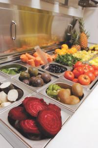 Loin du hamburger, les nouvelles franchises de fast-food se positionnent sur le créneau du bio et de la diététique.