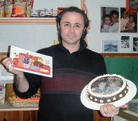 Grâce à son imprimante à encre alimentaire, Daniel Formisano réalise des photos comestibles, qu'il expédie dans toute la France.