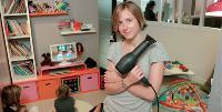 Lucie Porcher cible les jeunes parents en leur gardant leurs enfants, gratuitement.