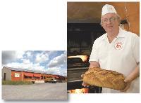 Sensible à l'écologie, Philippe Canévet produit des pains bio depuis ses débuts, en 1986.