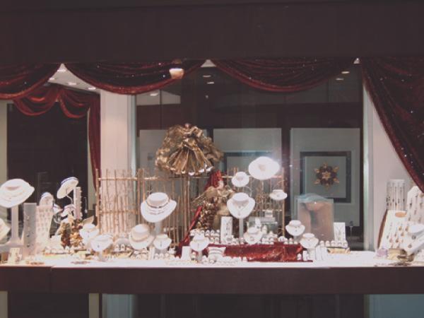 Une vitrine qui vaut de l 39 or - Decoration de noel vitrine ...