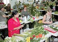 L'Académie internationale de formation fleuriste, ouverte aux adhérents du réseau Florajet, propose notamment de préparer les stagiaires en vue d'une compétition.