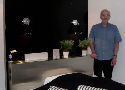 Deux designers r novent les chambres de son h tel - Chambre de commerce de saint etienne ...
