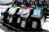 Pour bien choisir une imprimante, renseignez-vous sur le prix des consommables, comme les cartouches (sur la photo) et les toners, pour évaluer le coût global.