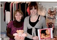 Stéphanie Leconte (à gauche) a ouvert sa boutique dédiée aux futures et jeunes mamans et l'a associée au centre d'échographie émotionnelle d'Aurore Bailleul.