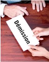 La démission entraîne automatiquement la rupture du contrat de travail et marque le point de départ du préavis du salarié.