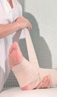 L'employeur doit déclarer l'accident de travail de son salarié dans les 48 heures grâce au formulaire S6200 et l'adresser par lettre recommandée avec AR à la caisse d'assurance-maladie dont dépend la victime ou via www.net-entreprise.fr.
