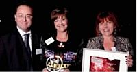 Bettina Balleydier et Sylvie Casile se sont vu remettre le prix par Christophe Poissonnier (Ciel).