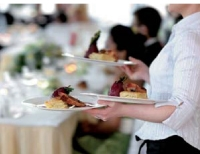 Le chiffre d'affaires de la restauration rapide et à thème progresse, en moyenne, de 7 % sur un an.
