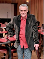 En organisant des activités dans son café, Guillaume Bola a fait progresser son chiffre d'affaires de 38 % en 2011.