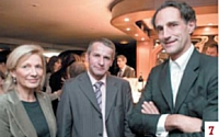 Elisabeth De Dieuleveult (APCMA), Serge Crouin (MNRA) et Hervé Lenglart (Commerce Magazine)