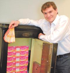 Paul-Eric Dupont, président des Vitrines de Roanne, supervise le développement des chèques-cadeaux.
