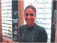 Keren Azoura est responsable de deux magasins Optical Discount à Paris et dans les Hauts-de-Seine.