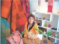 Sylvie Ingrand aime faire voyager ses clients à travers des objets du monde entier.