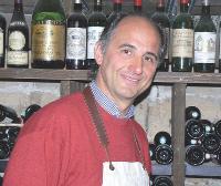 Eric Pasquet a adopté une démarche pédagogique, qui passe par la dégustation des produits qu'il commercialise.