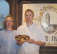Christophe Franchois (ici avec sa femme) a créé une pâtisserie dont profitent les touristes venus visiter les lieux du tournage de Bienvenue chez les Ch'tis.