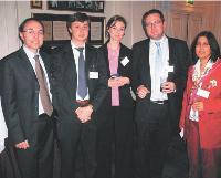 Les organisateurs (de g. a d.): Frédéric Petit (Resources Global Professionals), Arnaud De Heer (Pfizer), Florence Bonamy-Jaillon (Pfizer), Olivier Wajnsztok (AgileBuyer) et Anne-Marie Cabaret (Pfizer).