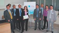 Gaëlle Roulier (au centre), lauréate des «Etoiles de l'achat» et le jury.