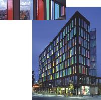 Le bâtiment de l'Icade EMGP, situé à Aubervilliers (Seine-Saint-Denis) a obtenu la certification «NF Bâtiments tertiaires, démarche HQE». Il répond à trois critères majeurs: intégration au site, maîtrise de l'énergie et confort des utilisateurs.