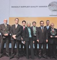 Ces trophées ont notamment été remis par Le président de Renault, Carlos Ghosn, et le directeur achats et président de Renault-Nissan Puchasing Organisation, Odile Desforges.