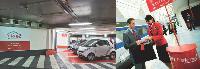 Avis propose deux nouvelles offres: Okigo, un service de location de véhicules en libreservice, et Avis Prefered qui permet de récupérer les clés du véhicule réservé, à la descente du train.