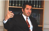 «Trop de contraintes juridiques pèsent sur les acheteurs»